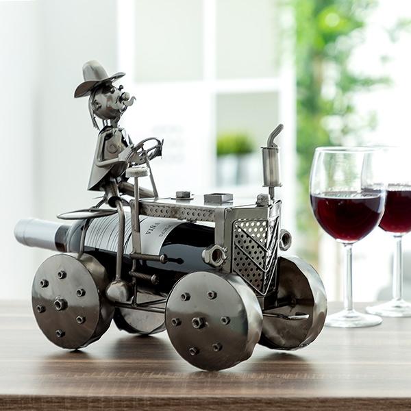 kovovy-stojan-na-vino-motorka-traktor-4947