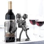 kovovy-stojan-na-vino-zamilovany-par-4466